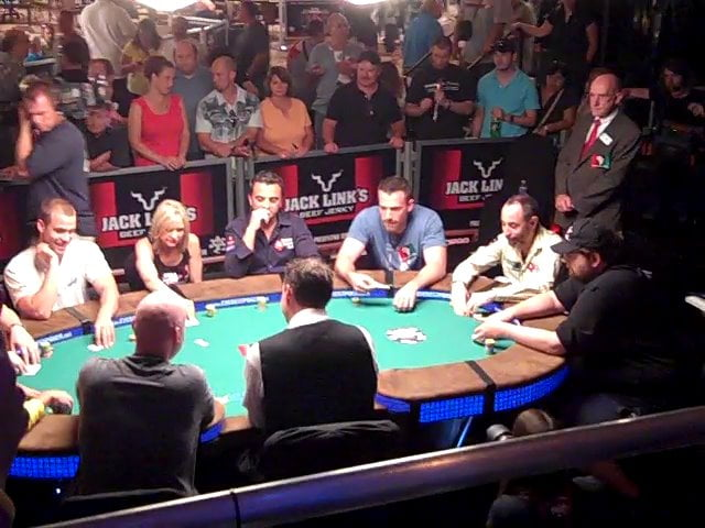 Poker-Tournament-people-table